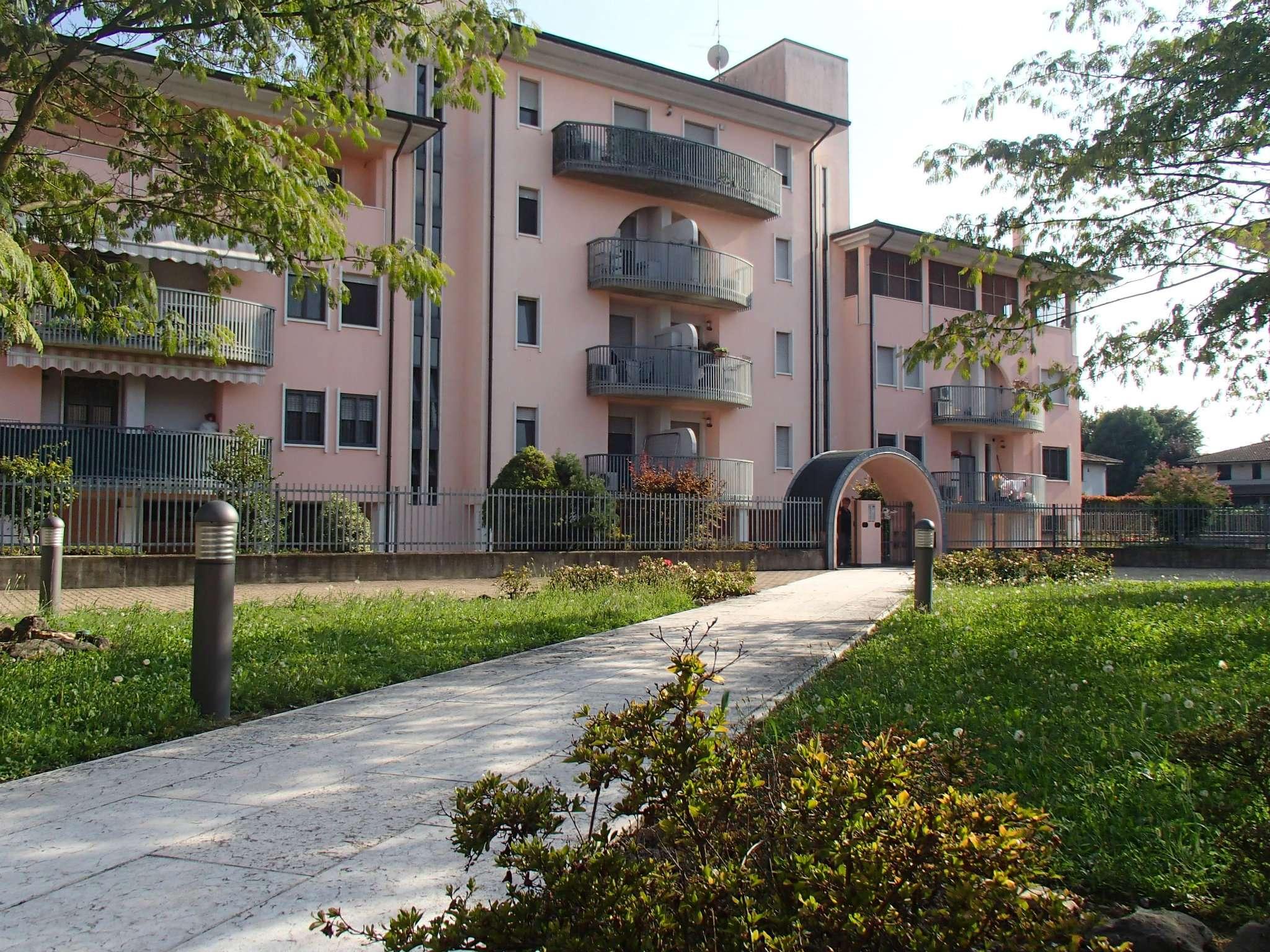 Appartamento in vendita a Landriano, 2 locali, prezzo € 80.000 | CambioCasa.it