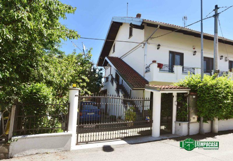 Soluzione Indipendente in vendita a Settimo Torinese, 7 locali, prezzo € 335.000 | Cambio Casa.it