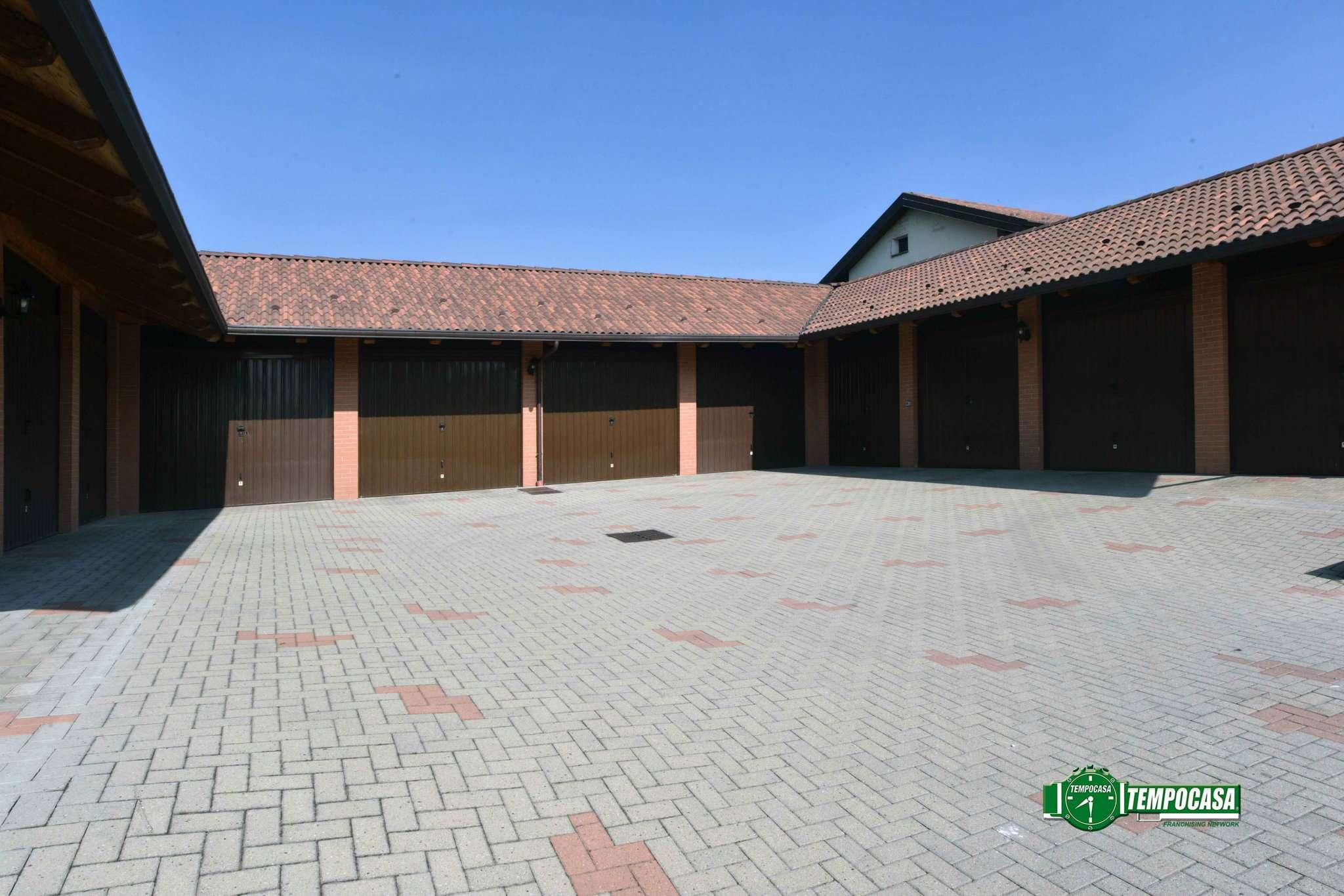 Bilocale Settimo Torinese Via Fornaci 10