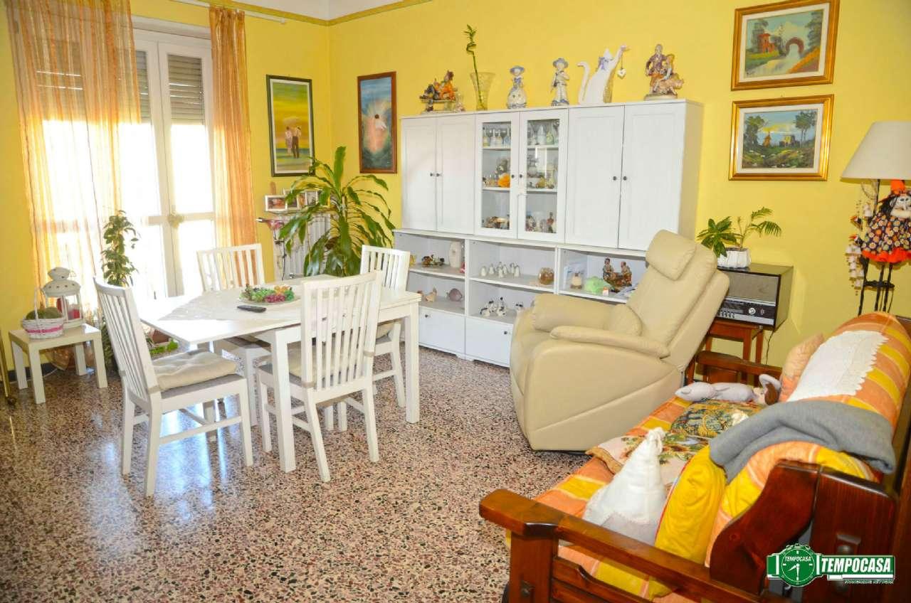 Bilocale Settimo Torinese Via Provana 3