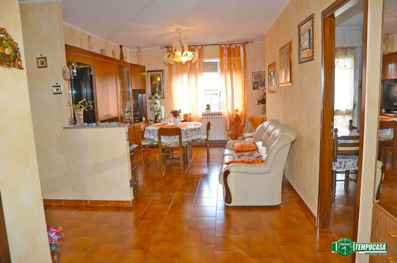Bilocale Settimo Torinese Via De Francisco 3