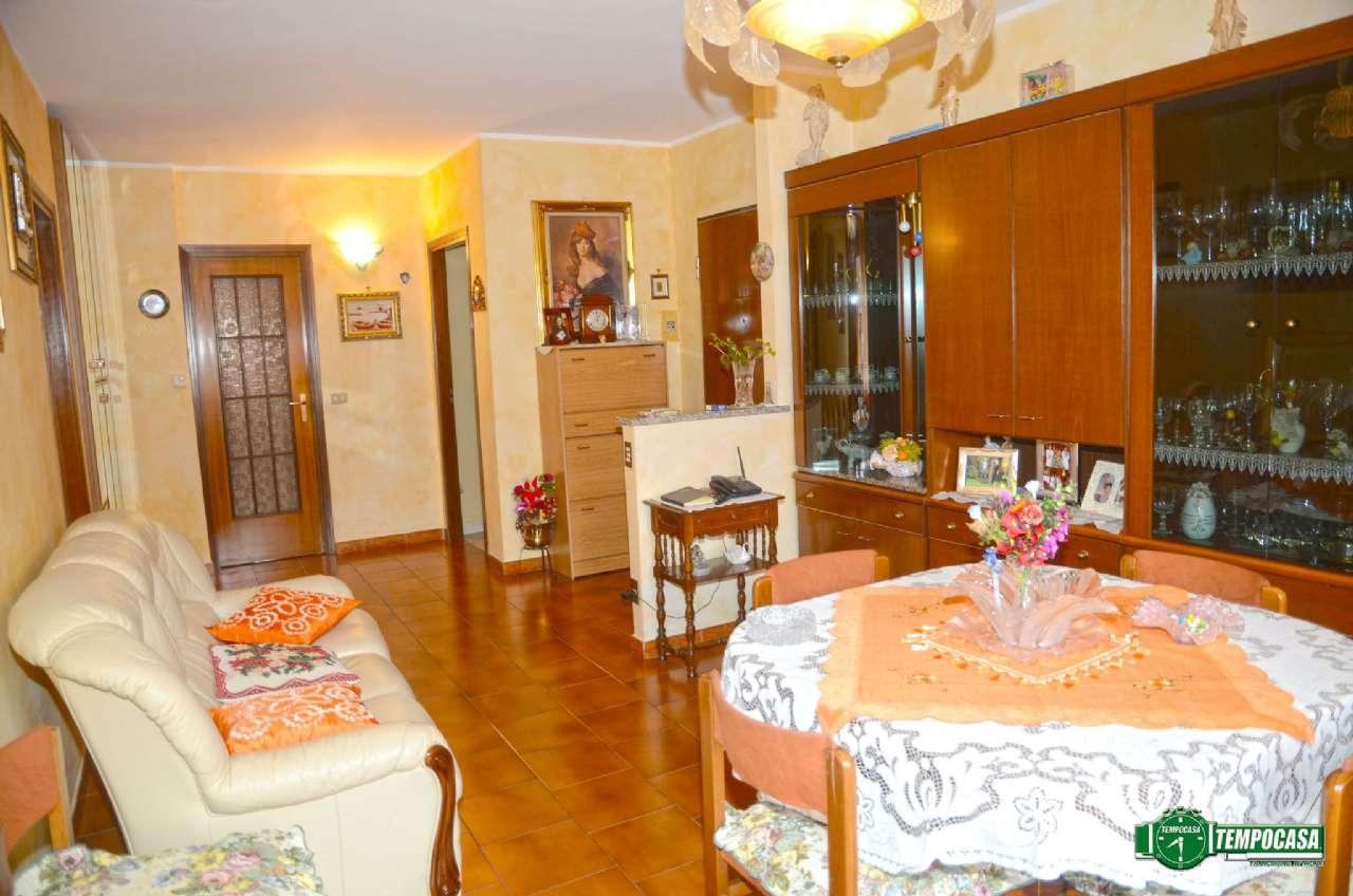 Bilocale Settimo Torinese Via De Francisco 2