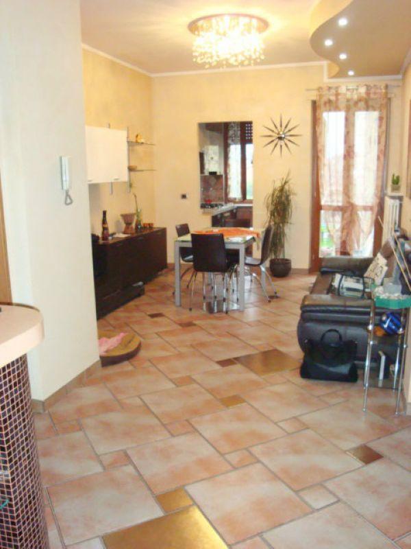 Bilocale Settimo Torinese Via Sondrio 8