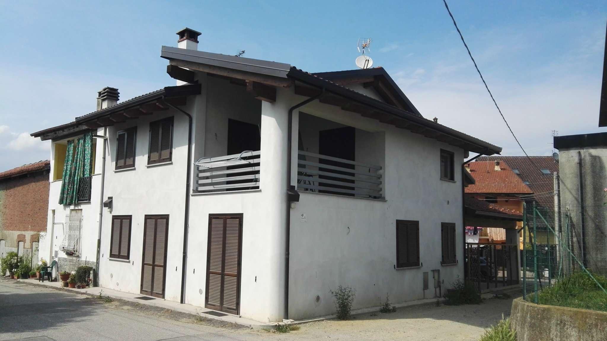 Foto 1 di Trilocale strada BURATTO INFERIORE 5, San Carlo Canavese