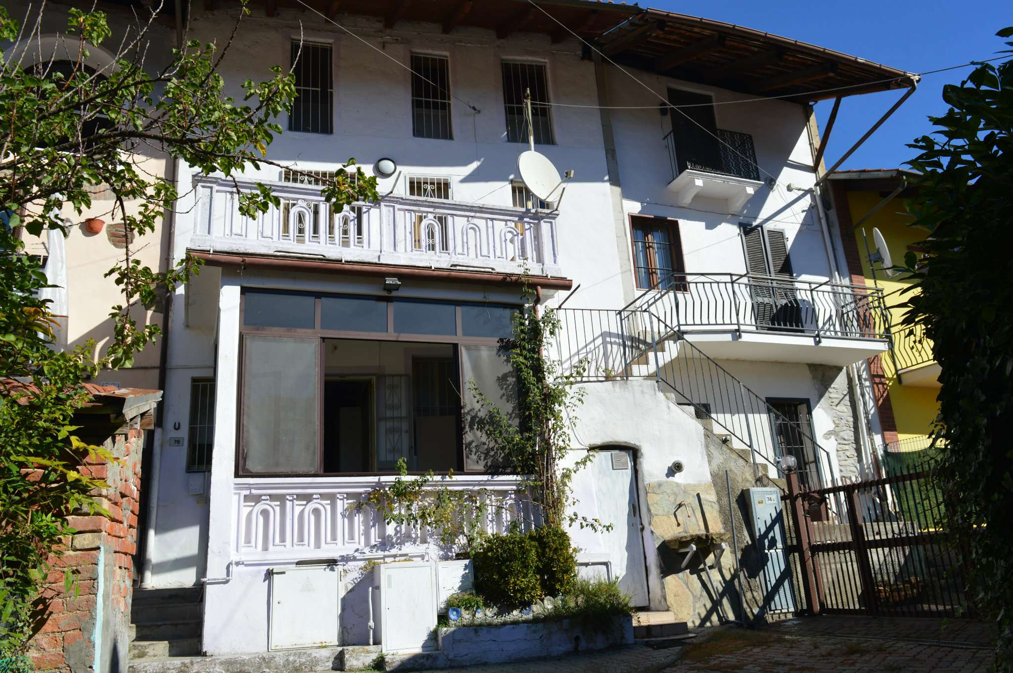 Foto 1 di Porzione di casa via DE STEFANIS 76, Front