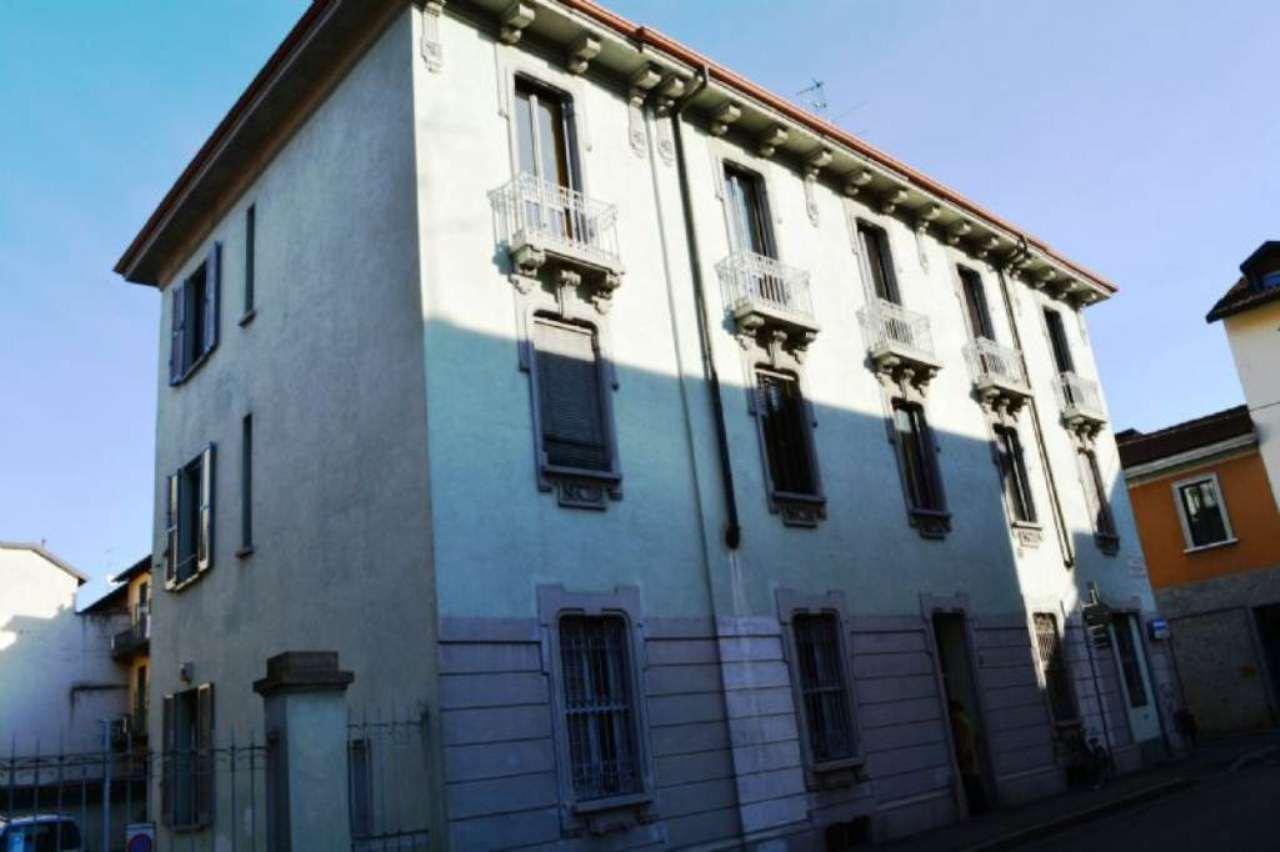 Bilocale Monza Via Giusti 1