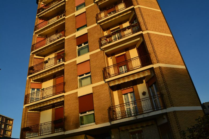 Bilocale Vedano al Lambro Via Cesare Battisti 12
