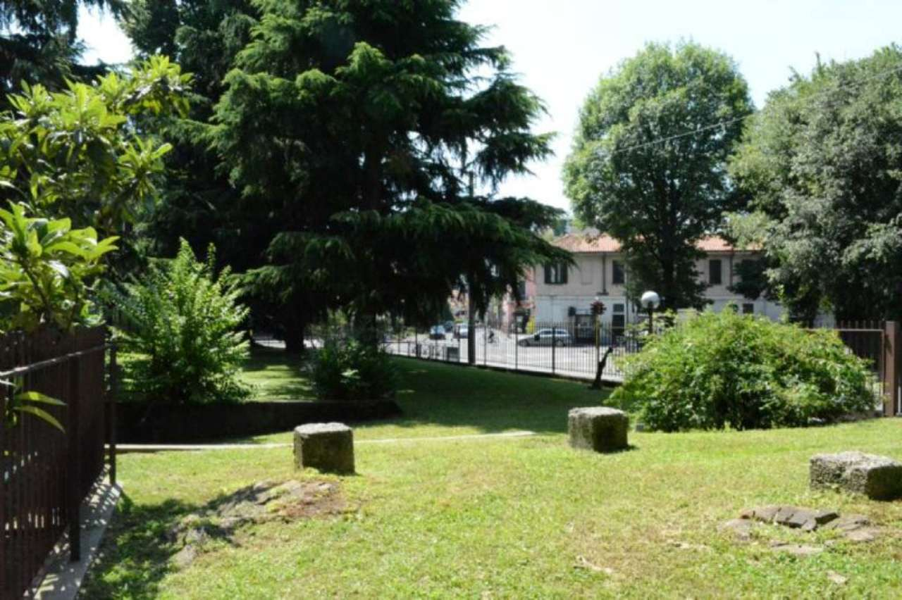 Bilocale Monza Via Monti E Tognetti 3