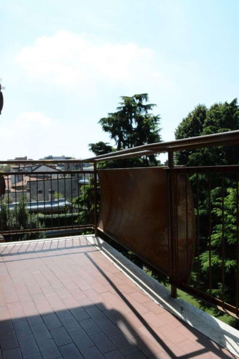 Bilocale Monza Via Monti E Tognetti 13