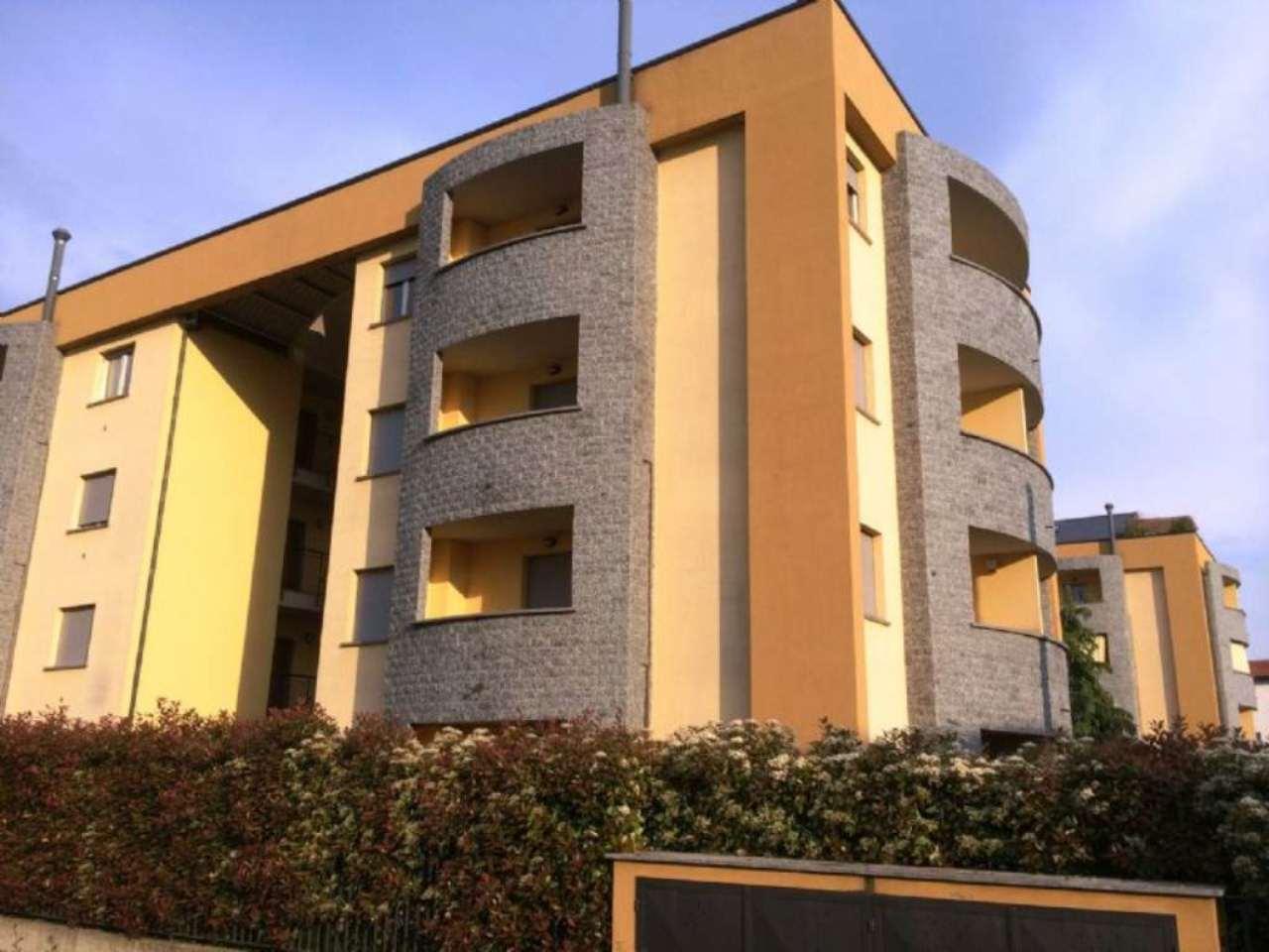 Bilocale Giussano Via Parini 4