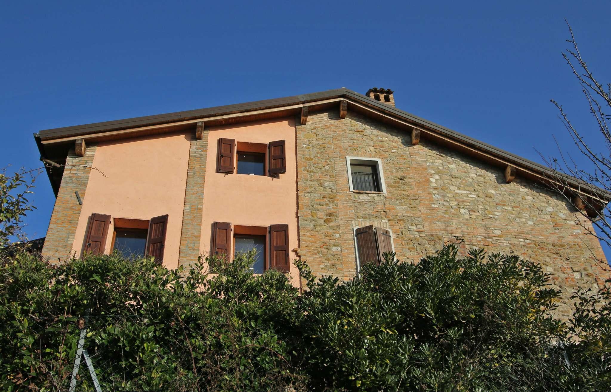 Villa Tri-Quadrifamiliare in vendita a Monte San Pietro, 4 locali, prezzo € 220.000 | Cambio Casa.it
