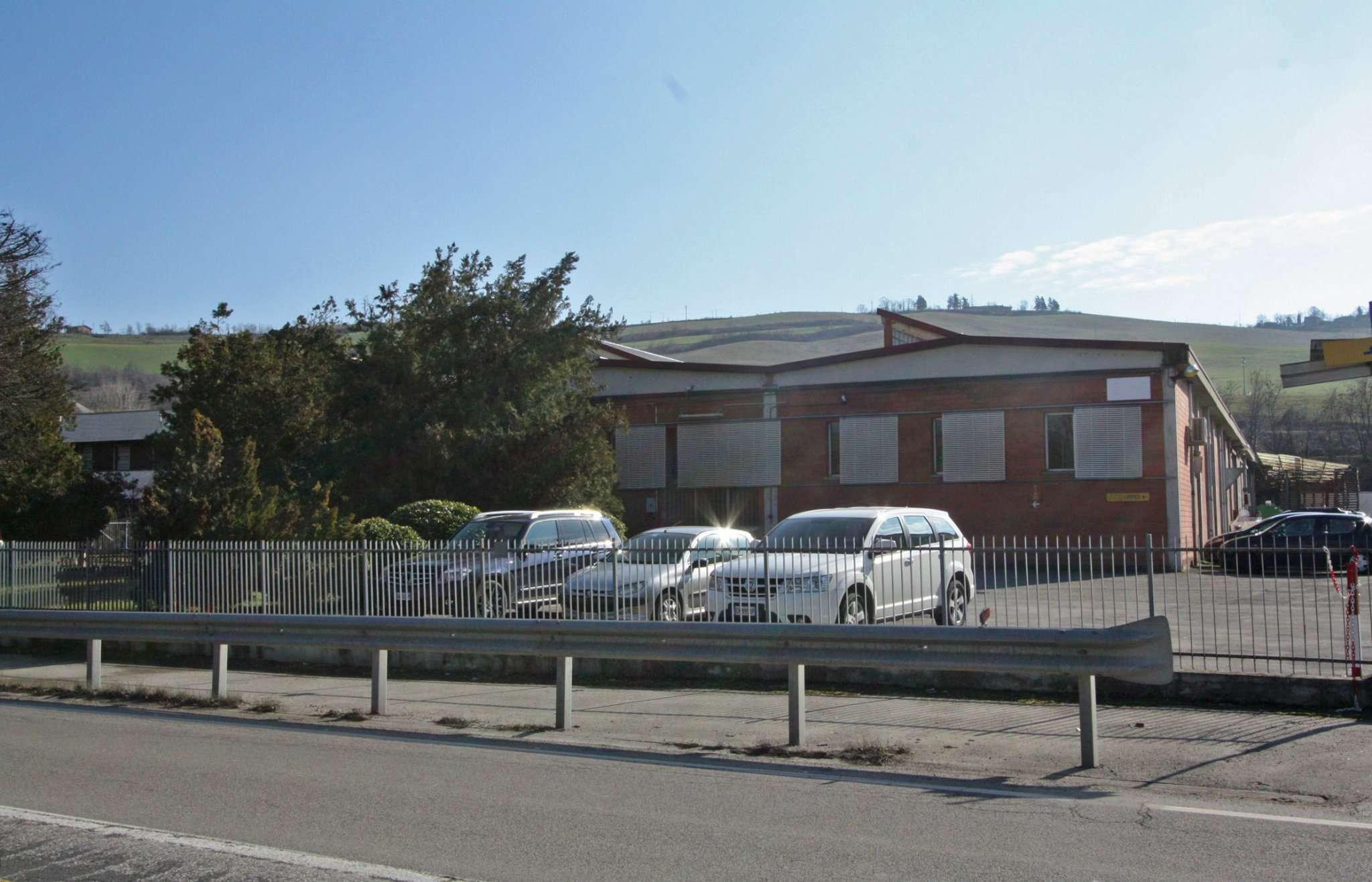 Capannone in affitto a Pianoro, 6 locali, prezzo € 6.500 | Cambio Casa.it