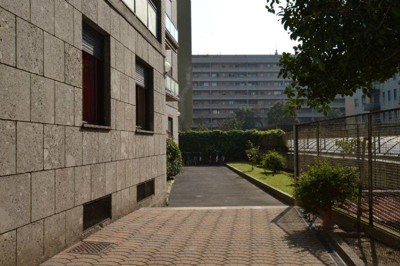 Bilocale Milano Via Martinetti 3