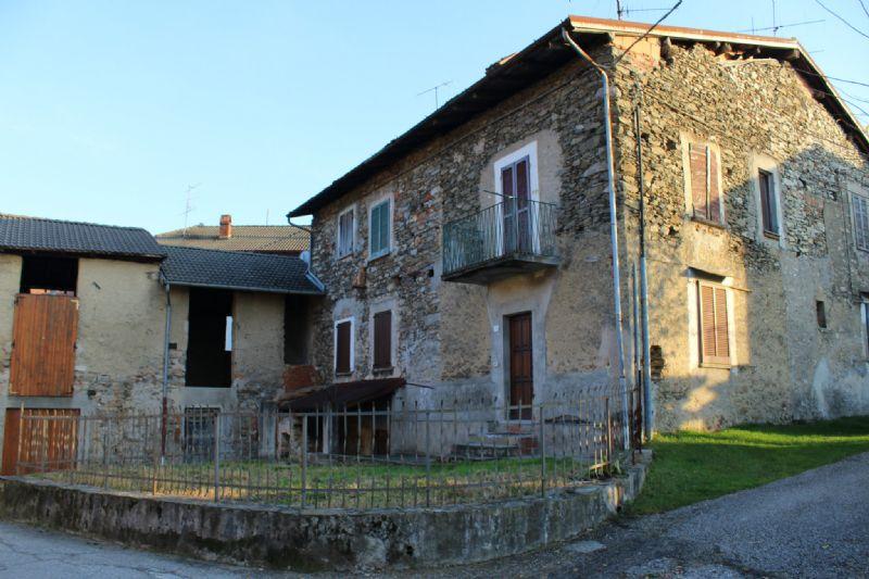 Rustico / Casale in vendita a Luino, 9999 locali, prezzo € 180.000 | Cambio Casa.it