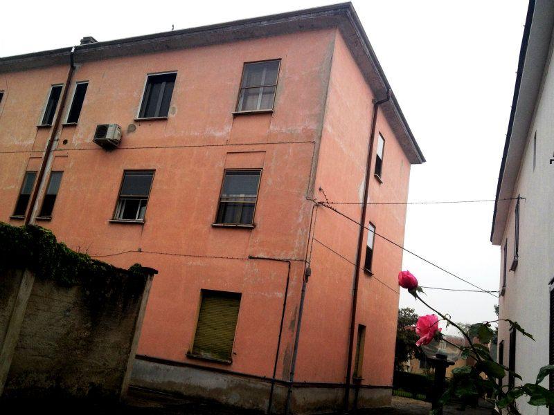 Bilocale Pavia Via Cassinino 1
