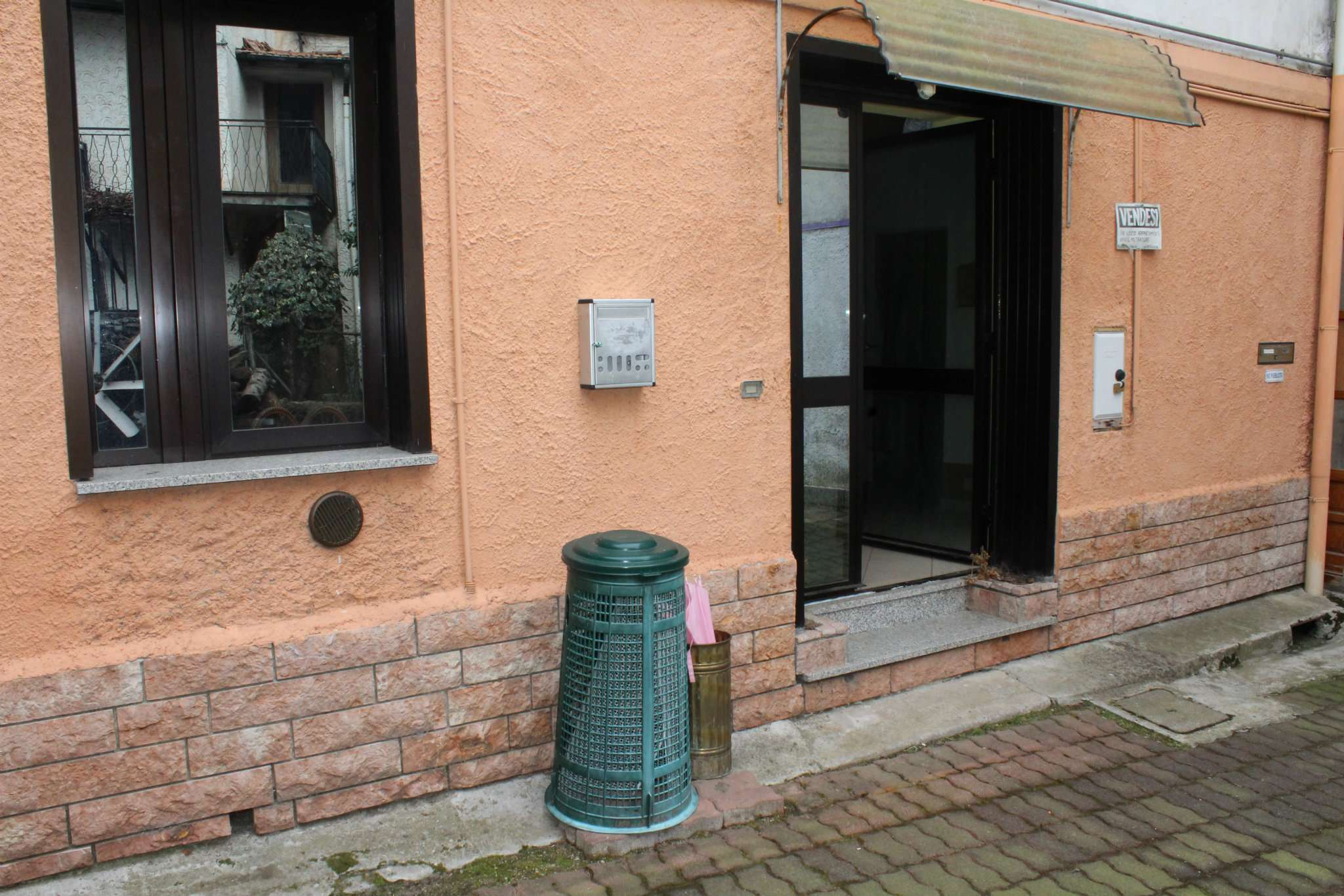 Bilocale Grantola Via Milazzo 3