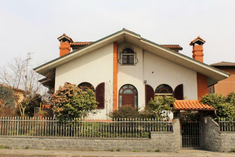 Villa in vendita a Vidigulfo, 5 locali, prezzo € 570.000 | Cambio Casa.it