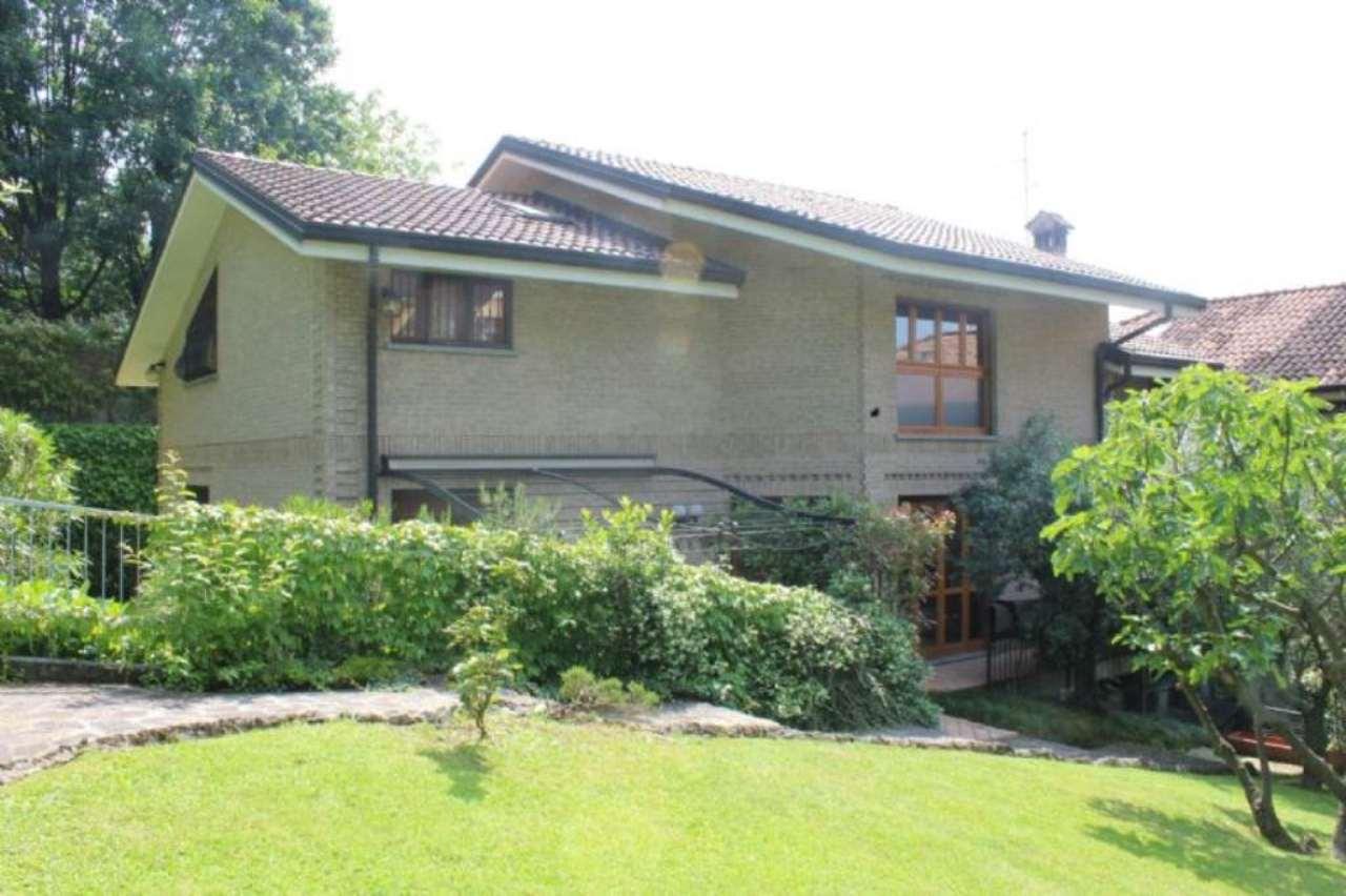 Villa in vendita a Lesmo, 9999 locali, prezzo € 585.000 | Cambio Casa.it