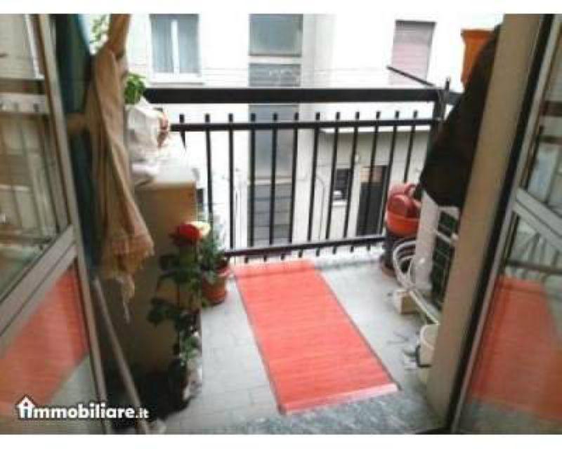 Bilocale Milano Via Salmeggia 9