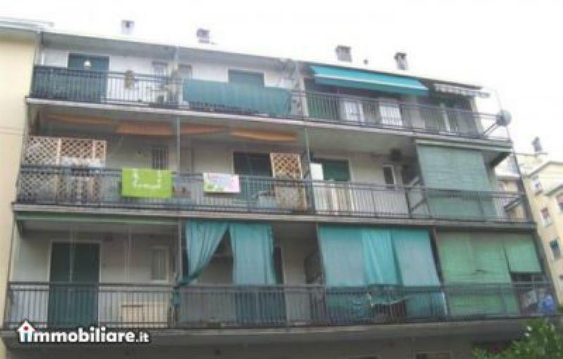 Bilocale Milano Via Salmeggia 2