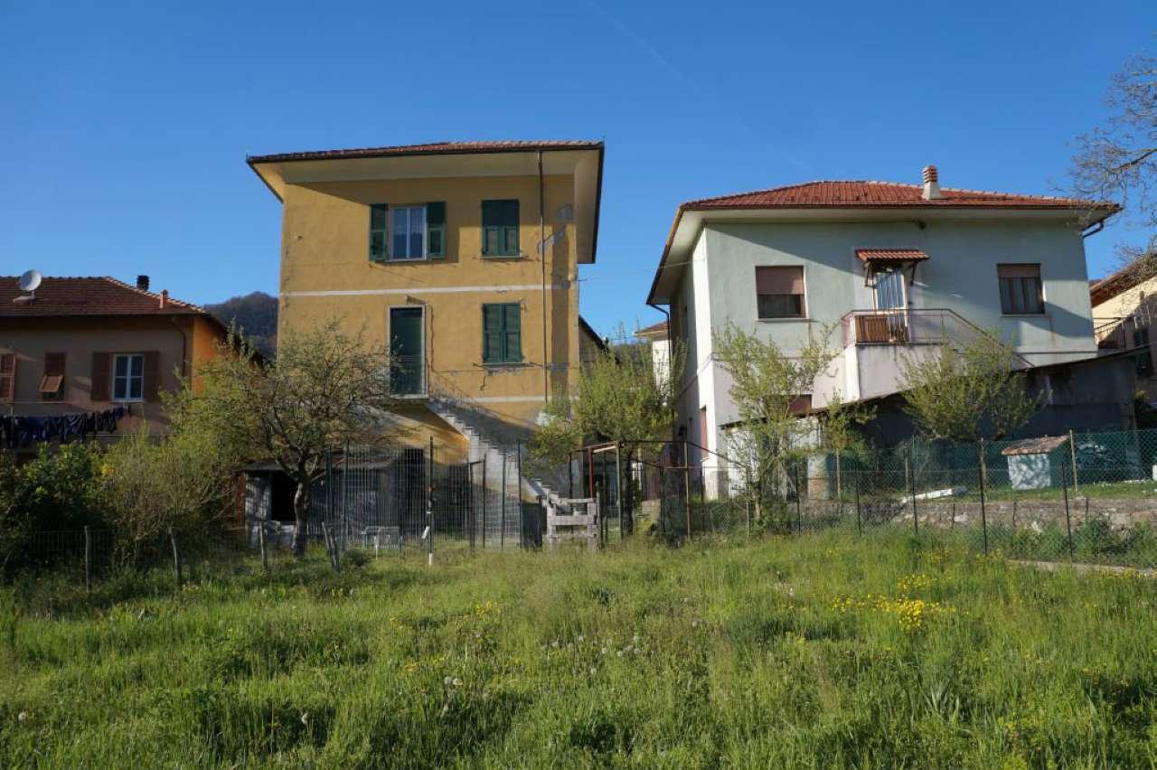 Soluzione Indipendente in vendita a Montoggio, 11 locali, prezzo € 190.000 | Cambio Casa.it