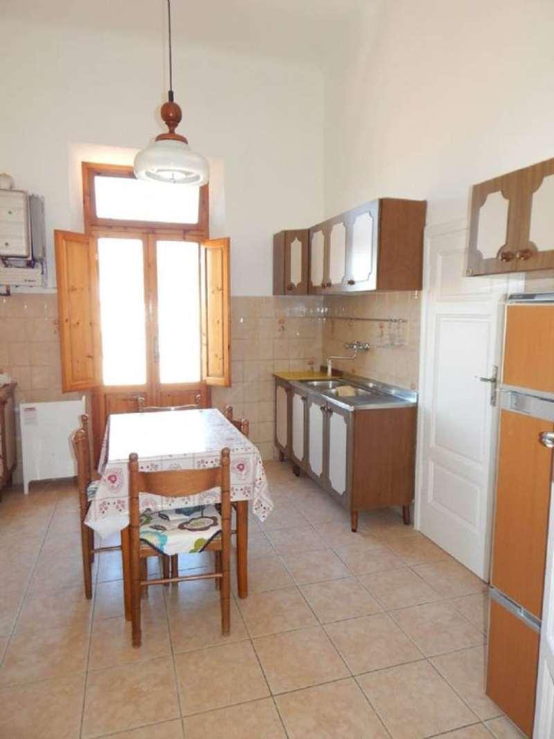 Soluzione Indipendente in affitto a Pisa, 4 locali, prezzo € 650 | Cambio Casa.it