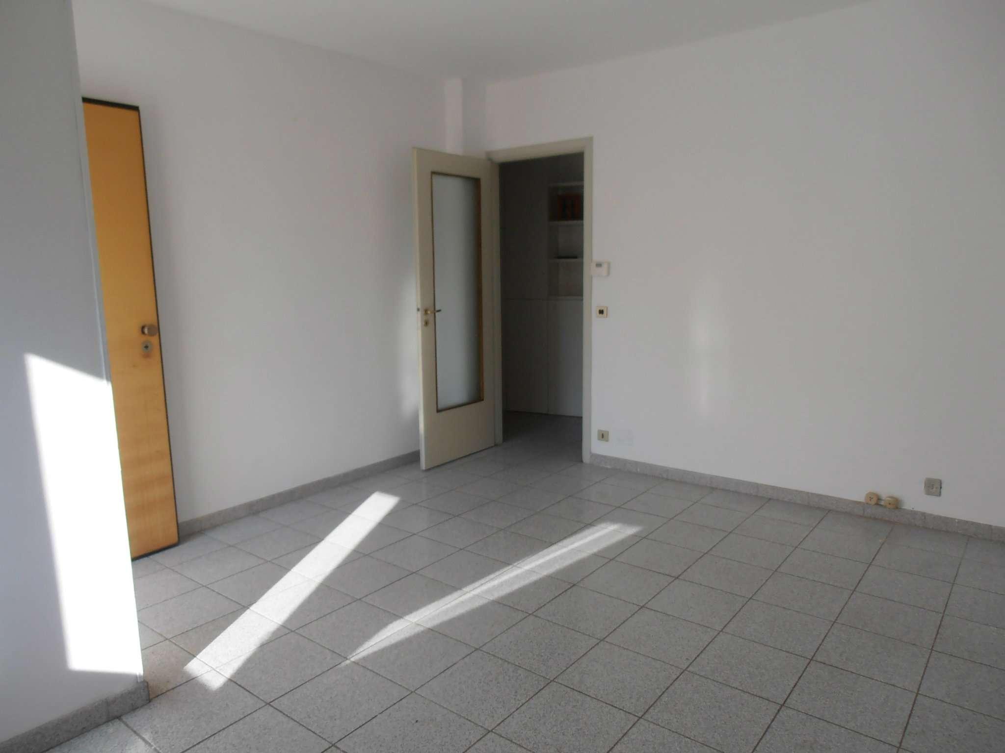 Bilocale Pianezza Via Brione 6