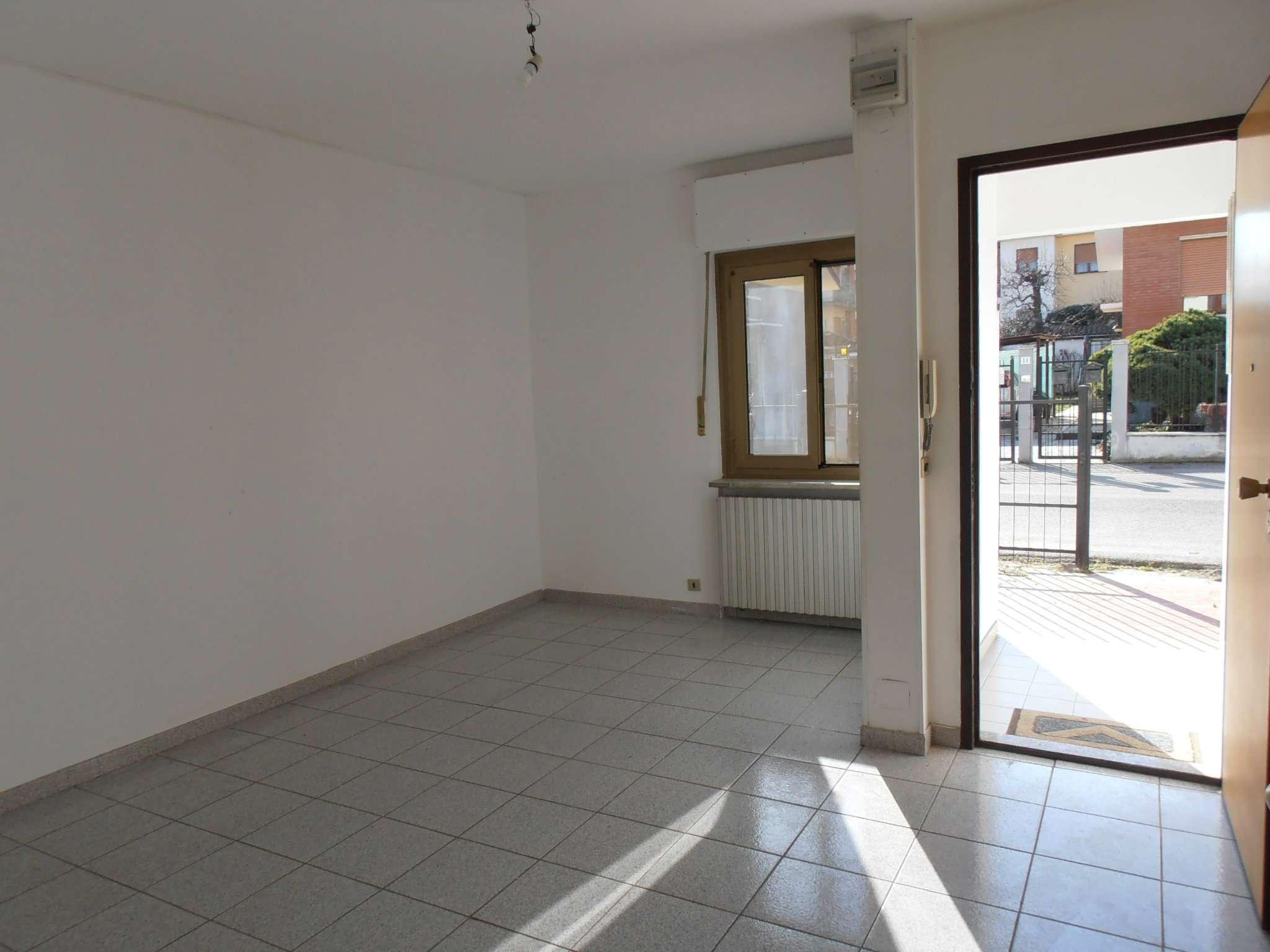 Bilocale Pianezza Via Brione 7