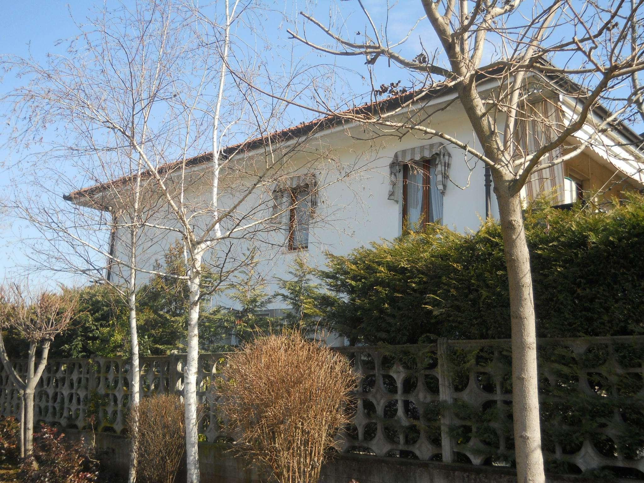 Foto 1 di Villetta via Ugo Foscolo, Druento