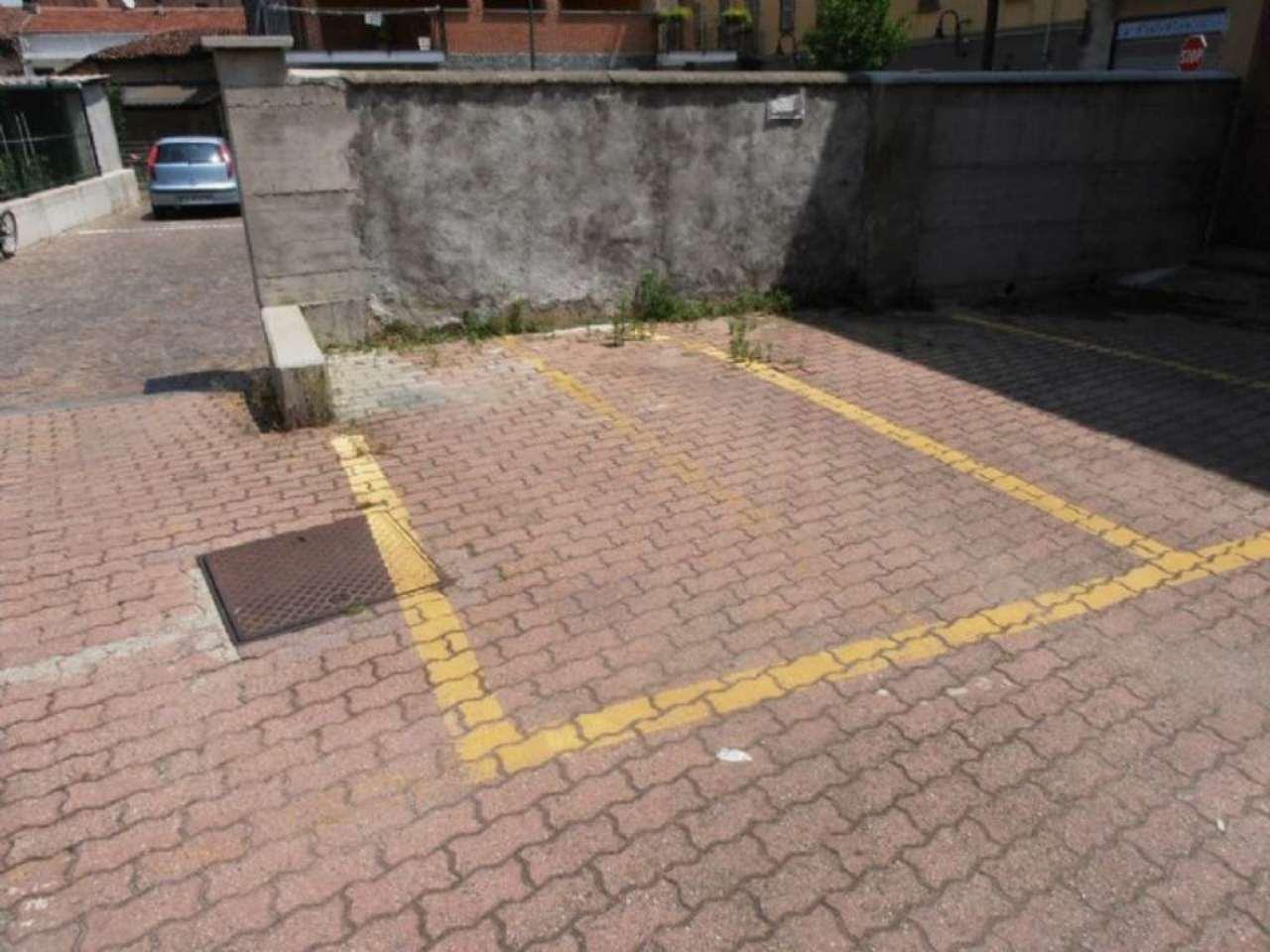 Pianezza Affitto POSTO AUTO SCOPERTO Immagine 2