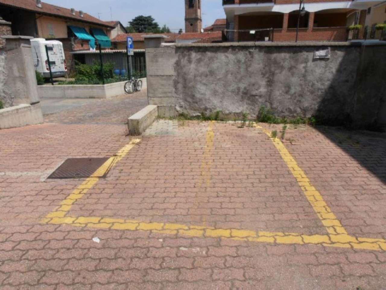 Pianezza Affitto POSTO AUTO SCOPERTO Immagine 1