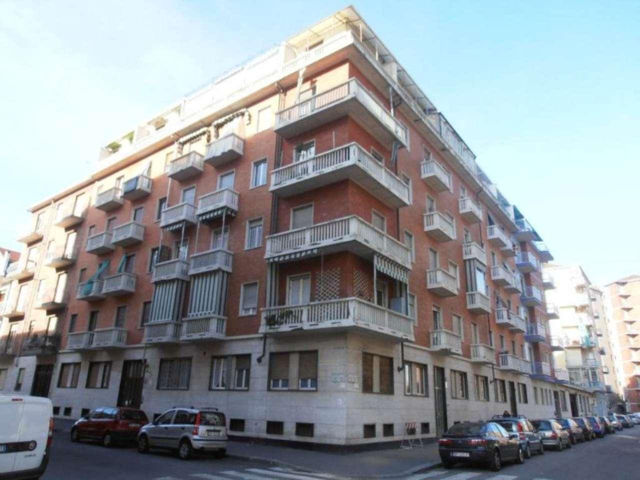Bilocale Torino Via Baracca 1