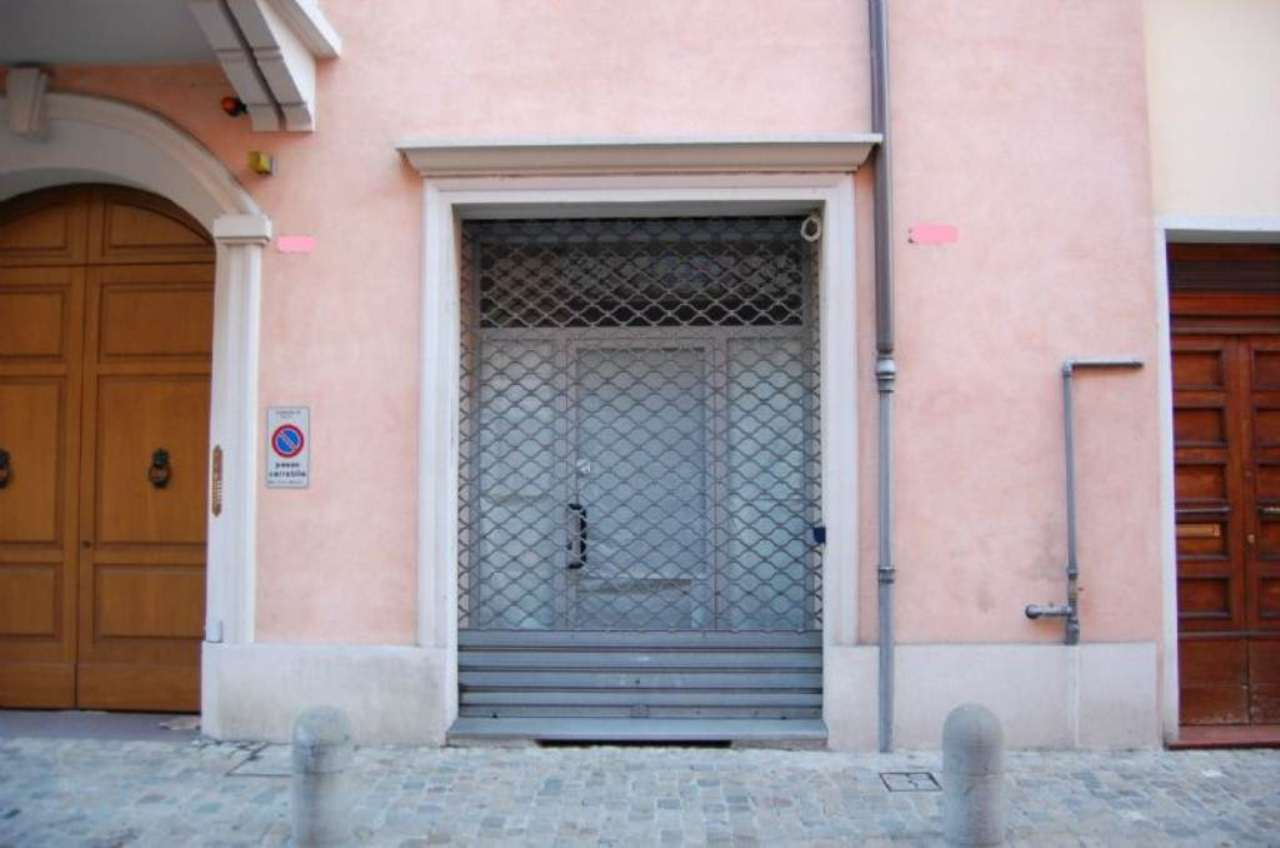 Negozio / Locale in affitto a Imola, 2 locali, prezzo € 550 | Cambio Casa.it