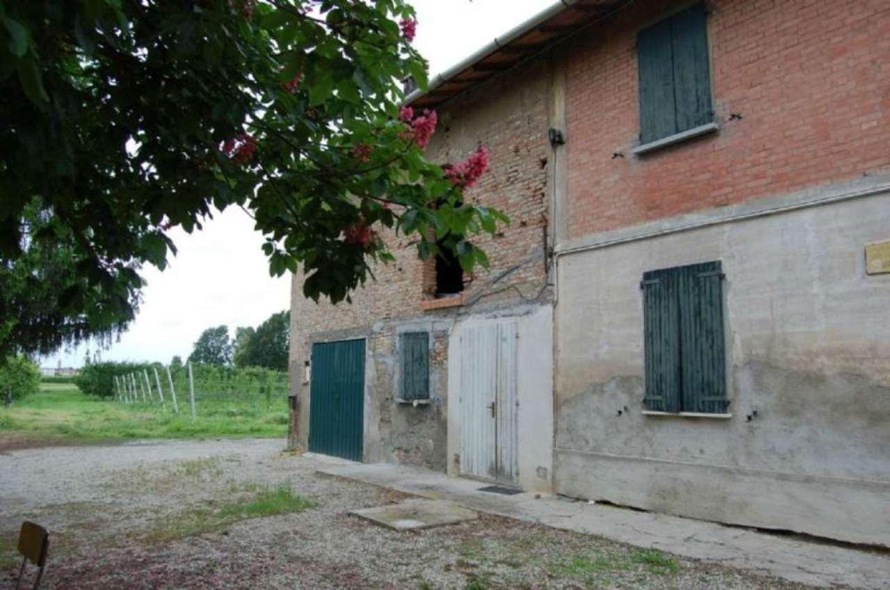 Rustico / Casale in vendita a Imola, 10 locali, prezzo € 125.000 | Cambio Casa.it