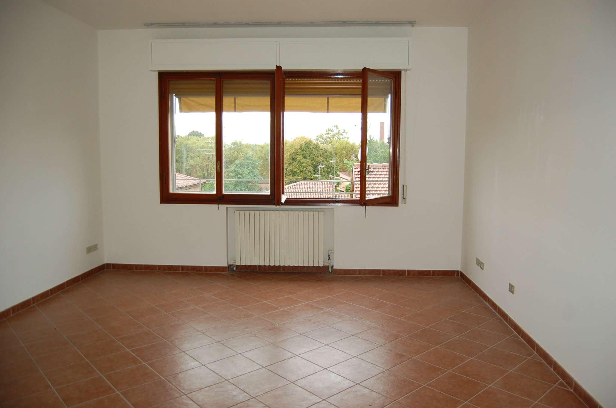 Appartamento in affitto a Imola, 4 locali, prezzo € 520 | Cambio Casa.it