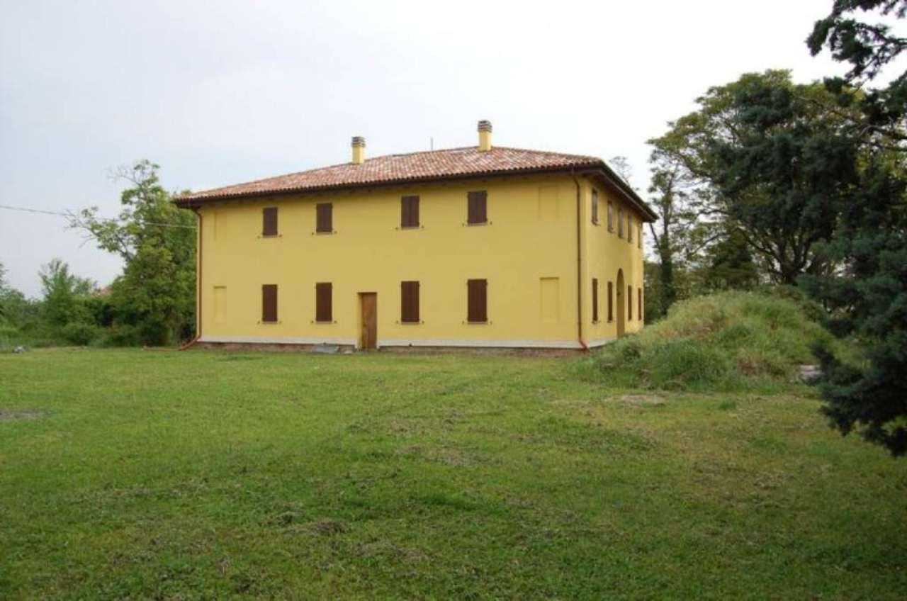 Rustico / Casale in vendita a Imola, 5 locali, prezzo € 230.000 | Cambio Casa.it