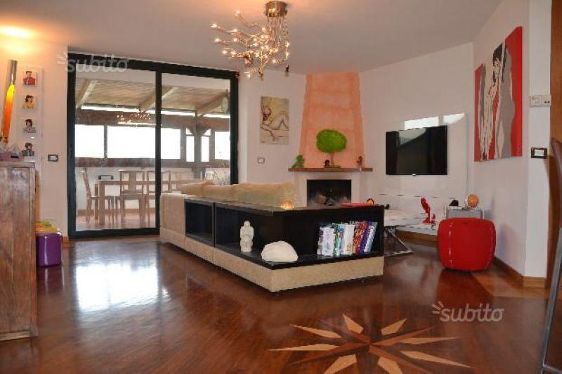 Appartamento in affitto a Caserta, 3 locali, prezzo € 1.000 | Cambio Casa.it