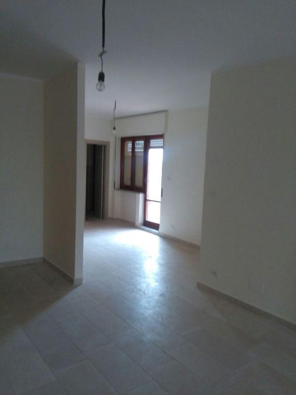 Appartamento in affitto a Caserta, 4 locali, prezzo € 600 | Cambio Casa.it