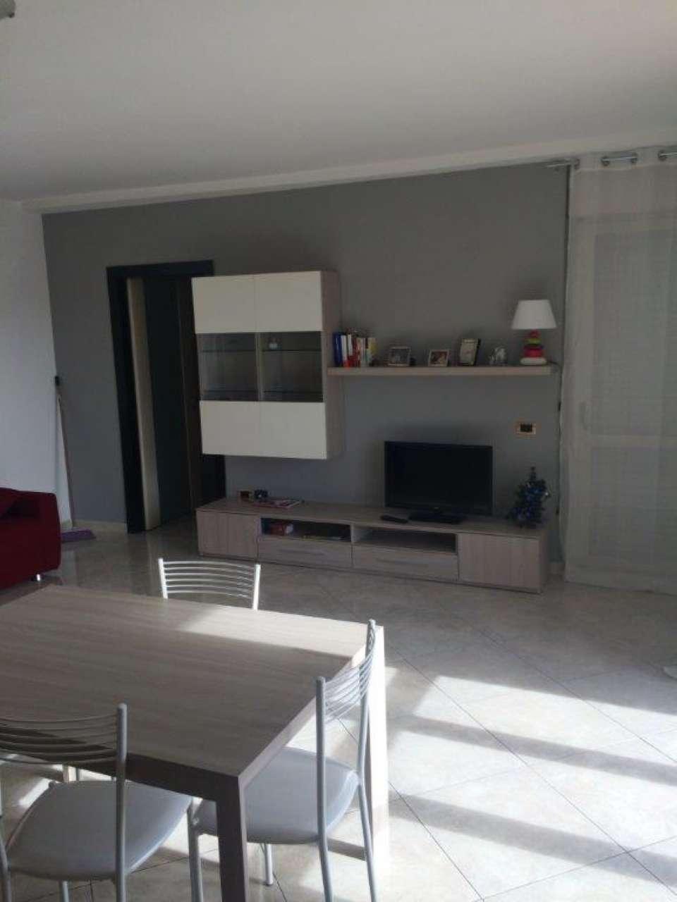 Appartamento in affitto a Caserta, 3 locali, prezzo € 500 | Cambio Casa.it