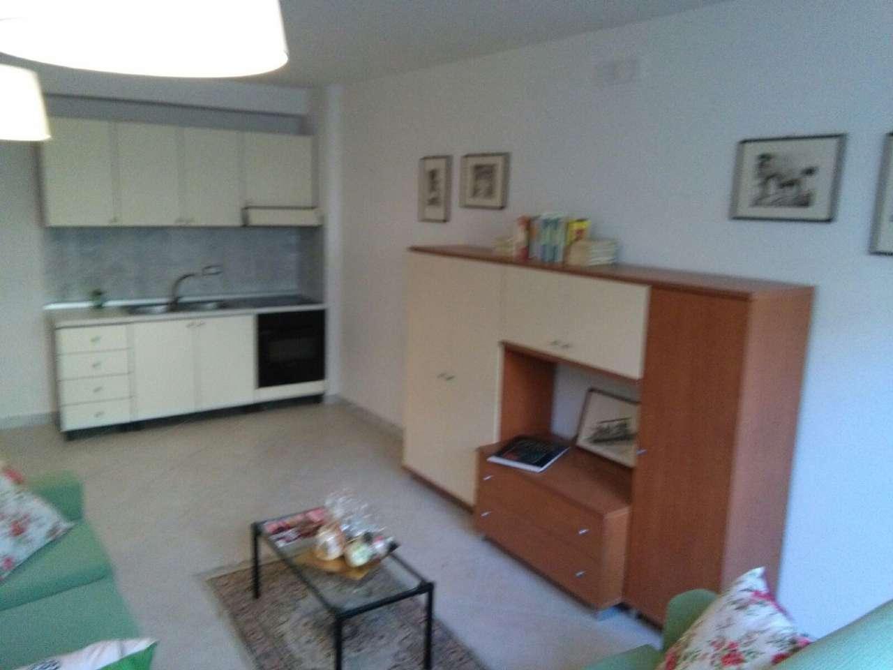Appartamento in affitto a Caserta, 2 locali, prezzo € 370 | Cambio Casa.it