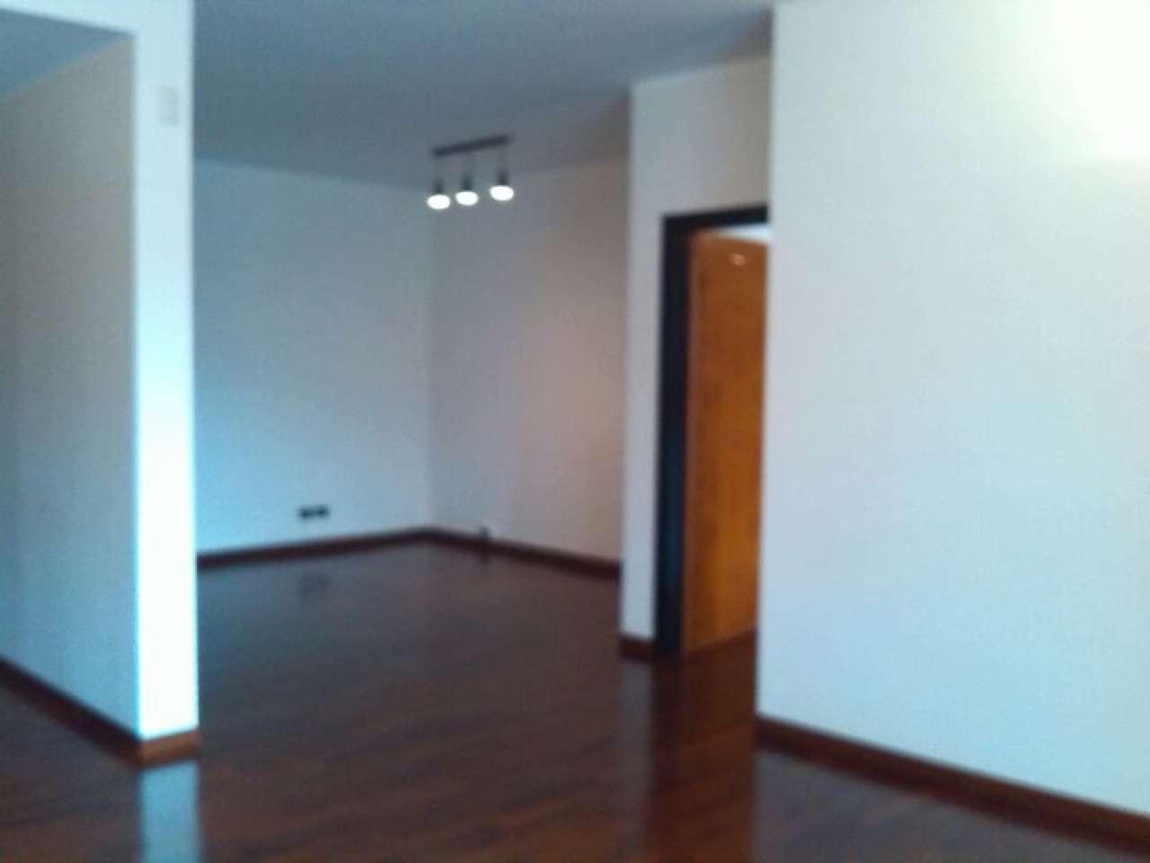 Appartamento in affitto a Caserta, 4 locali, prezzo € 850   Cambio Casa.it