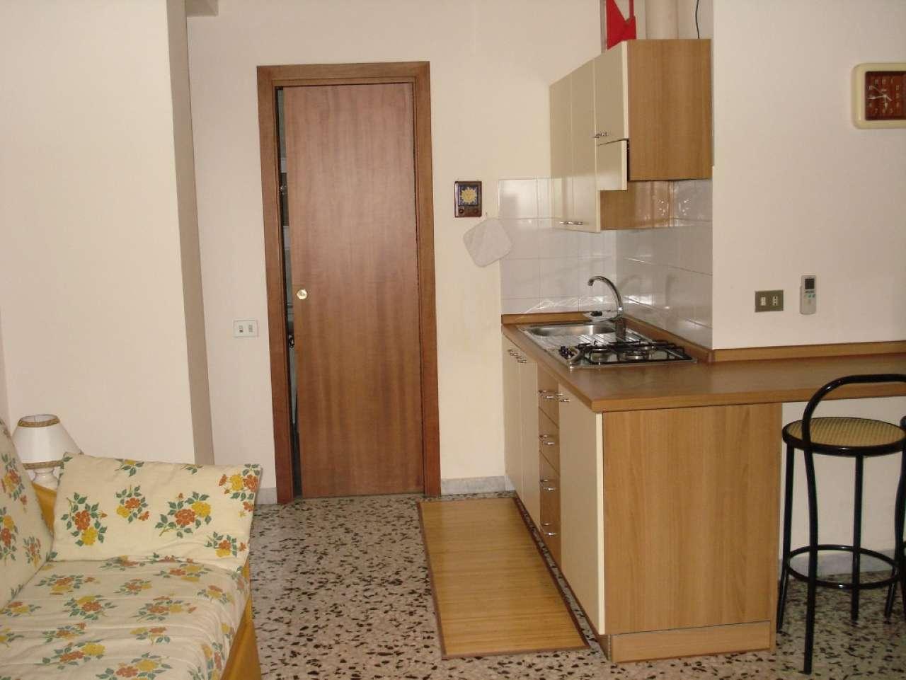 Appartamento in affitto a Caserta, 1 locali, prezzo € 350   Cambio Casa.it