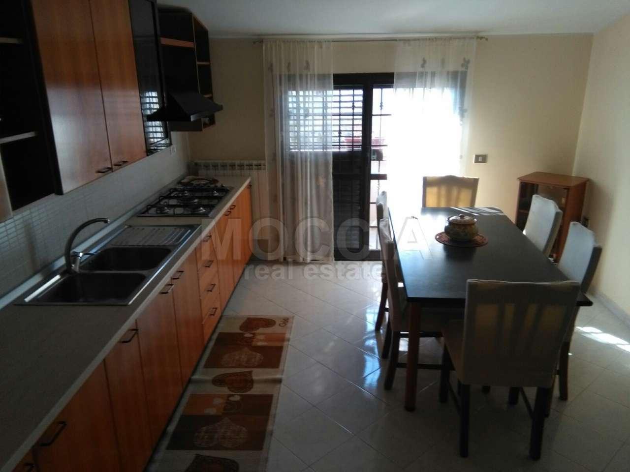 Appartamento in affitto a Caserta, 3 locali, prezzo € 400 | Cambio Casa.it