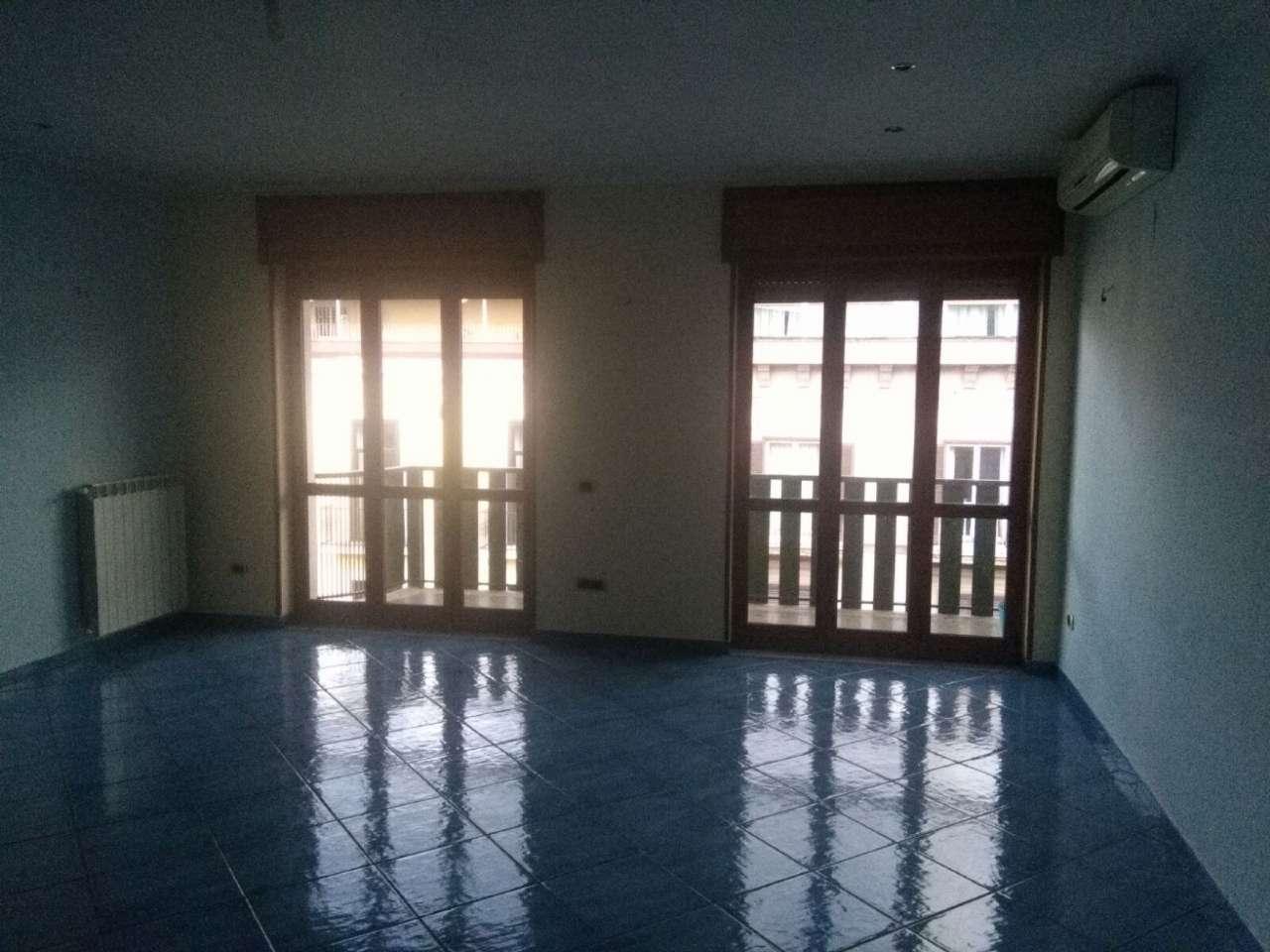 Appartamento in vendita a Caserta, 3 locali, prezzo € 270.000 | CambioCasa.it