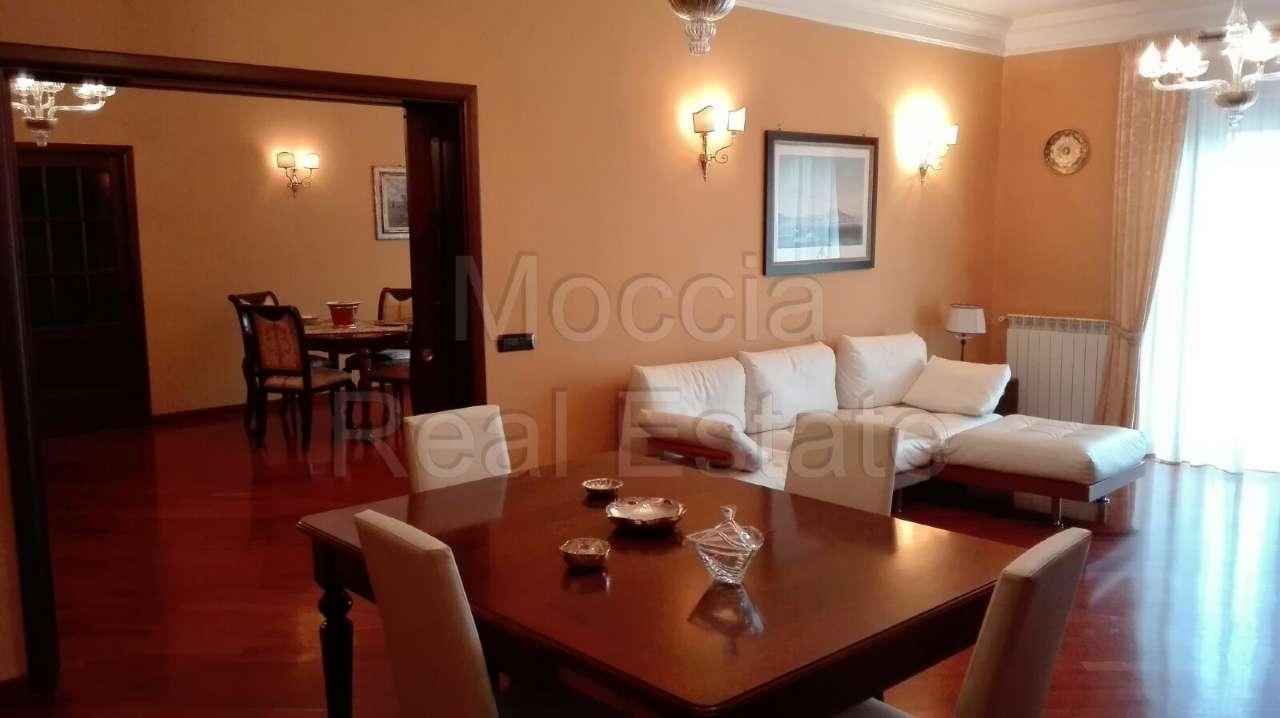 Appartamento in vendita a Caserta, 6 locali, prezzo € 500.000 | CambioCasa.it