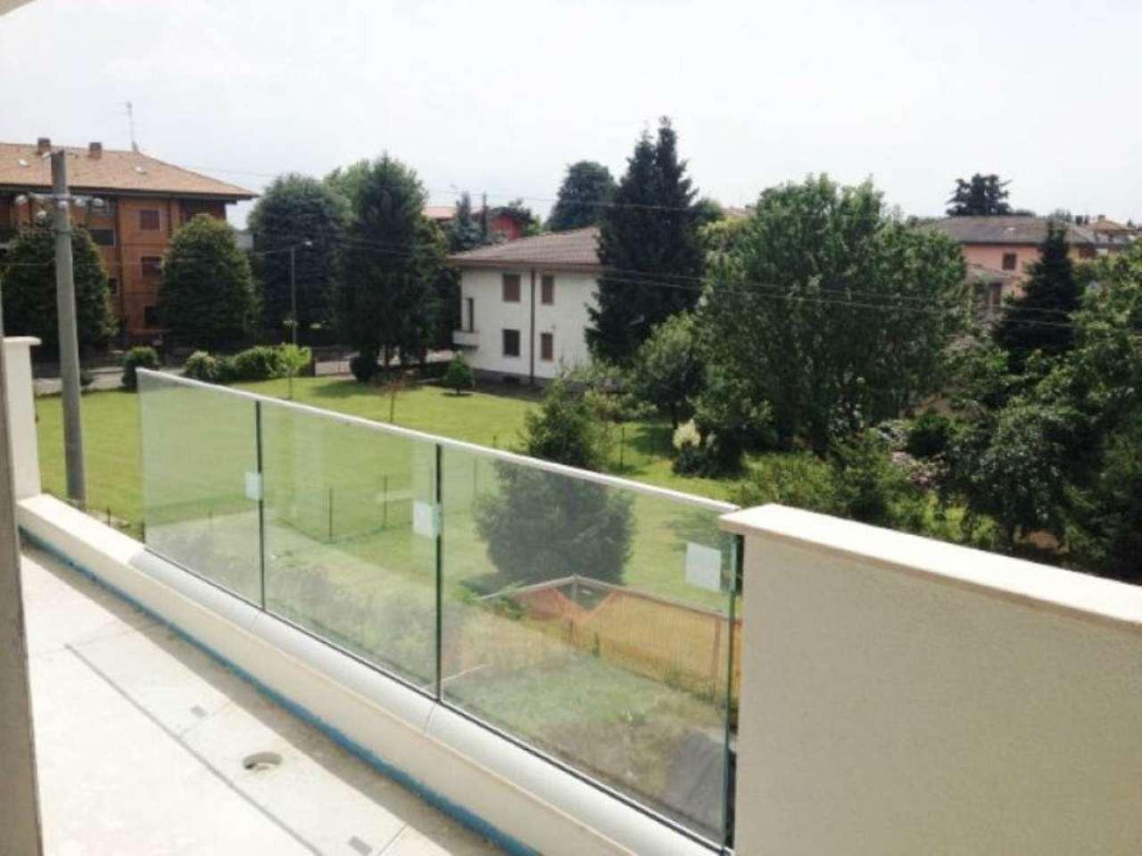 Bilocale Nova Milanese Via Eugenio Montale 12