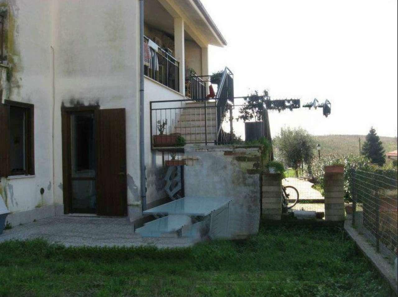 Bilocale Ardea Piazza Monte Bianco 2