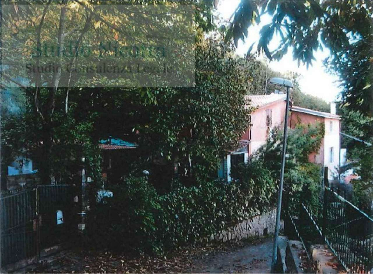 Villa-Villetta Villa in Vendita a Montecompatri