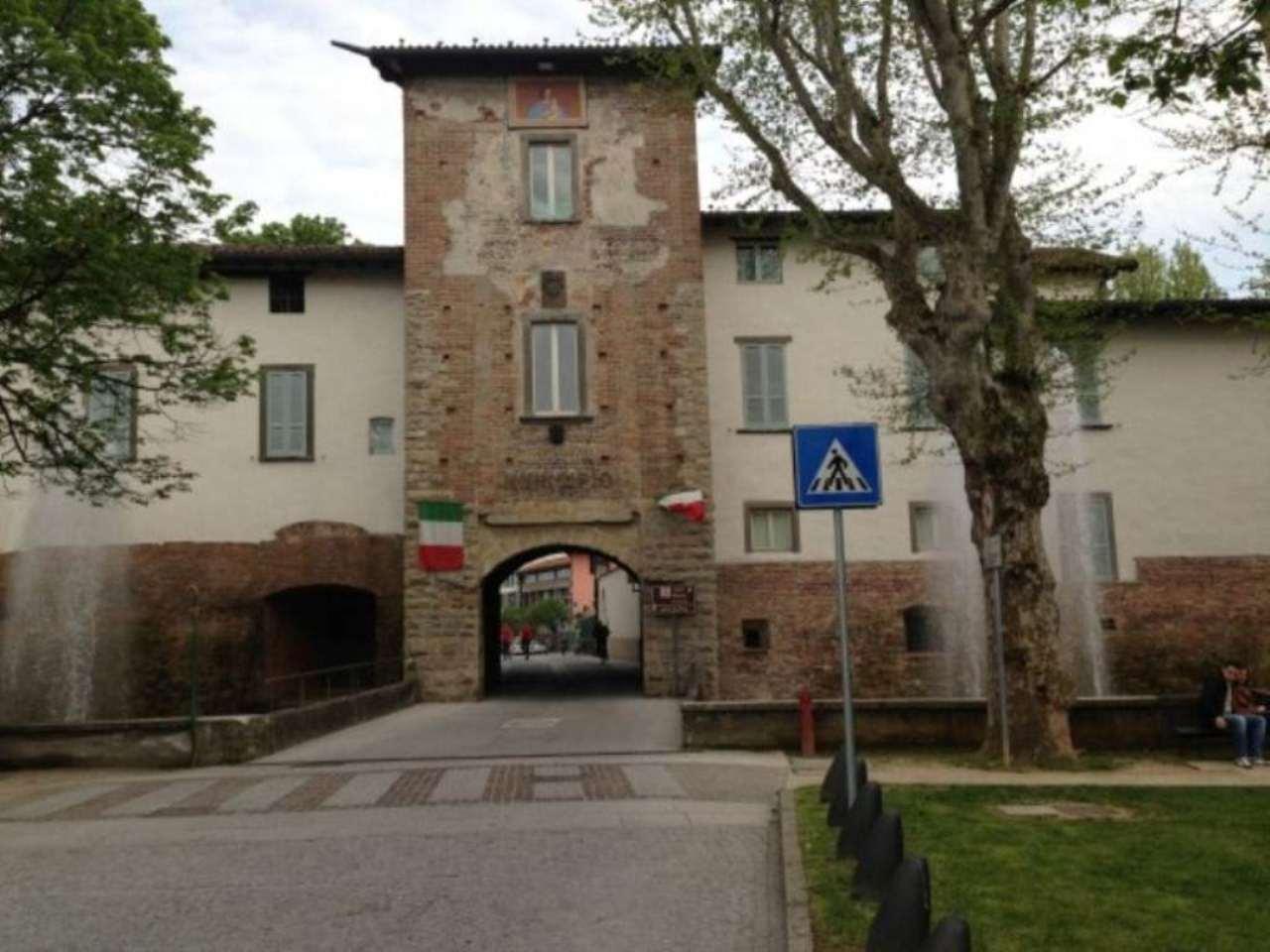 Bilocale Cologno al Serio Piazza Cardinal Agliardi 10