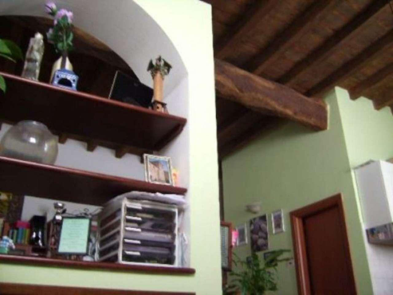 Bilocale Cavenago di Brianza Via Luigi Besana 7